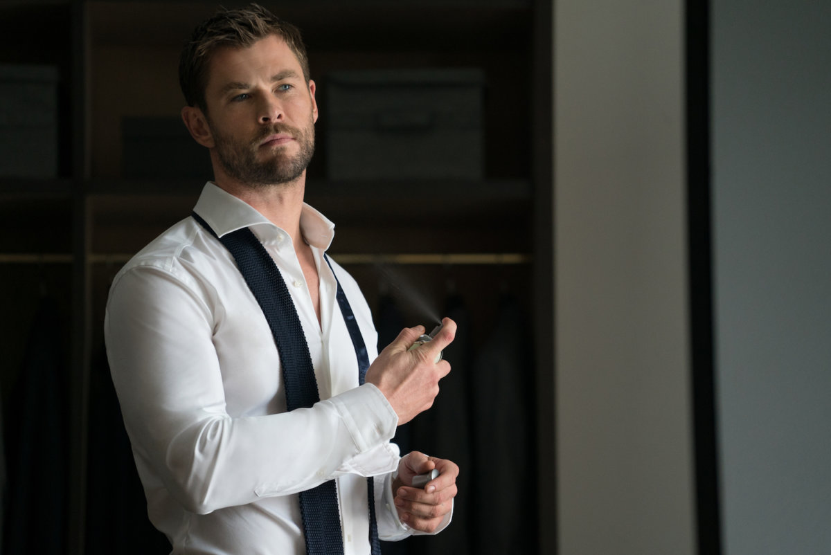 Bildresultat för chris hemsworth perfume