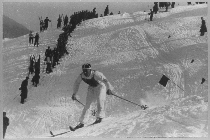 JO Hiver Garmisch-Partenkirchen 1936, Ski alpin, slalom Hommes - Un skieur.