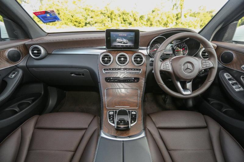 MercedesBenz_GLC200-21